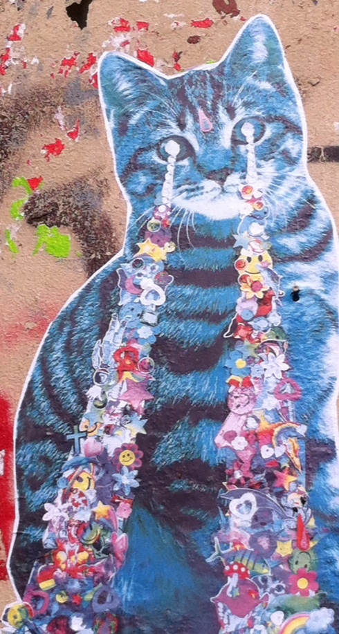 Chat collage street art à beaubourg