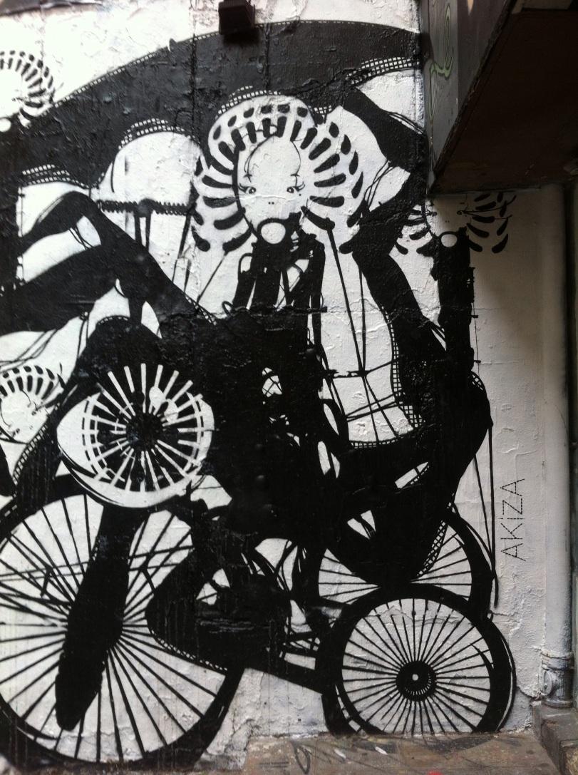 Akiza street art rue veron à radio marais